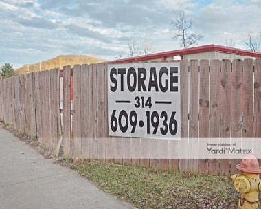 Storage Units for Rent available at 4095 Country Club Drive, Imperial, MO 63052 Photo Gallery 1