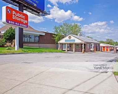 Storage Units for Rent available at 1795 North US Highway 67, Florissant, MO 63033 Photo Gallery 1