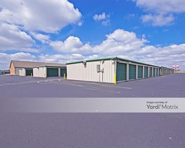 Storage Units for Rent available at 12447 US Hwy 40, Highland, IL 62249