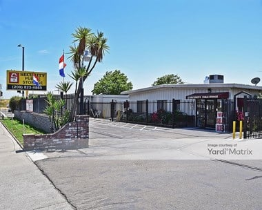 Storage Units for Rent available at 316 East Lathrop Road, Manteca, CA 95336 Photo Gallery 1