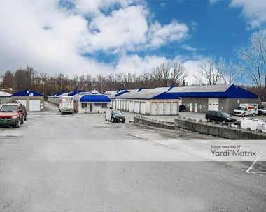 Image for Lakeside Storage & Rental - 400 Lakeside Plaza, MO