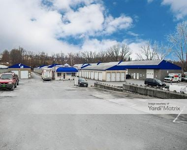 Storage Units for Rent available at 400 Lakeside Plaza, Lake St. Louis, MO 63367