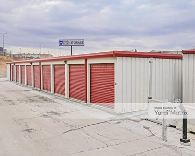Storage Units for Rent available at 13401 Giles Road, Omaha, NE 68138 Photo Gallery 1