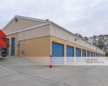 Storage Units for Rent available at 5711 South 60th Street, Omaha, NE 68117 Photo Gallery 1