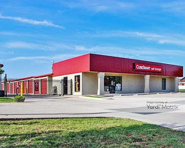 Storage Units for Rent available at 820 NW 27th Street, Moore, OK 73160 Photo Gallery 1