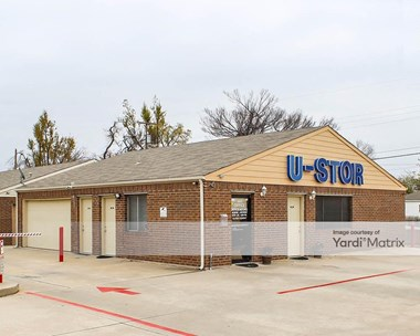 Storage Units for Rent available at 5920 North Rockwell Avenue, Bethany, OK 73008 Photo Gallery 1