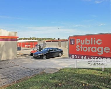 Storage Units for Rent available at 6560 Foxridge Drive, Mission, KS 66202 Photo Gallery 1