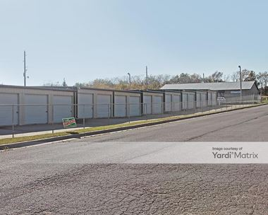 Storage Units for Rent available at 11401 218th Street, Peculiar, MO 64078 Photo Gallery 1
