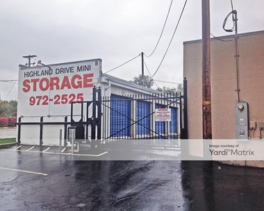 Storage Units for Rent available at 3211 South Highland Drive, Salt Lake City, UT 84106 Photo Gallery 1
