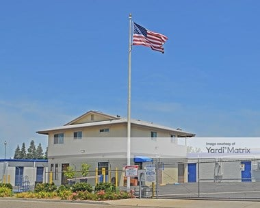 Storage Units for Rent available at 5090 North Weber Avenue, Fresno, CA 93722 Photo Gallery 1