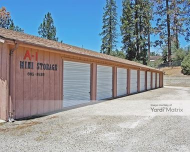 Storage Units for Rent available at 40202 Oak Park Way, Oakhurst, CA 93644