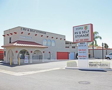 Storage Units for Rent available at 4601 White Lane, Bakersfield, CA 93309