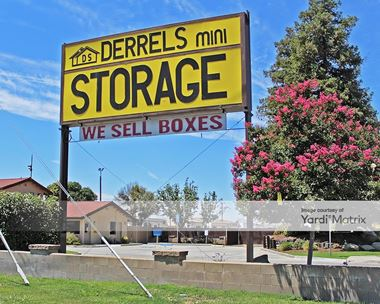 Storage Units for Rent available at 1441 North Clovis Avenue, Fresno, CA 93727