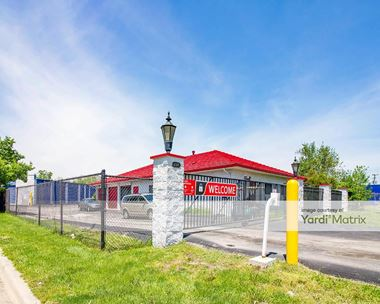 Storage Units for Rent available at 20979 Groesbeck Hwy, Warren, MI 48089