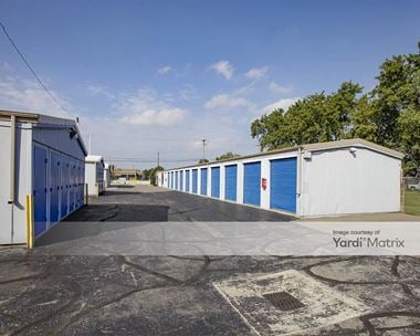 Storage Units for Rent available at 42557 Van Dyke Avenue, Sterling Heights, MI 48314