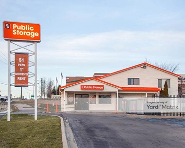 Storage Units for Rent available at 4040 Lapeer Road, Auburn Hills, MI 48326 Photo Gallery 1