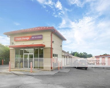 Storage Units for Rent available at 3801 Dupont Pkwy, New Castle, DE 19720 Photo Gallery 1