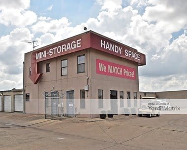 Image for US Storage Centers - 636 SW Loop 410, TX