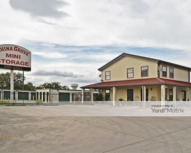 Storage Units for Rent available at 6755 US Highway 87 East, San Antonio, TX 78263