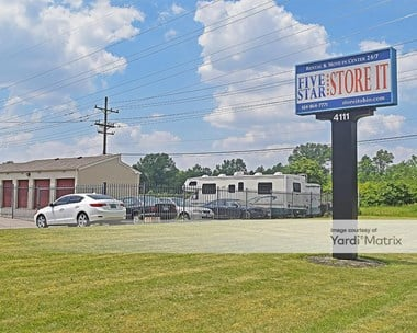 Storage Units for Rent available at 4111 Groves Road, Columbus, OH 43232 Photo Gallery 1