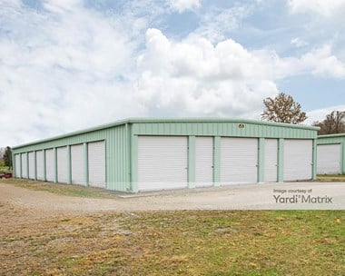 Storage Units for Rent available at 190 Maple Street, London, OH 43140 Photo Gallery 1