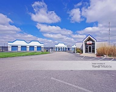 Storage Units for Rent available at 71 Executive Drive, Highland, IL 62249
