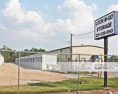Storage Units for Rent available at 5731 FM 2218, Richmond, TX 77469 Photo Gallery 1