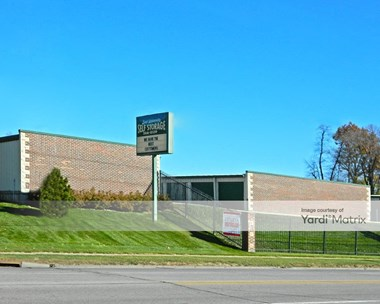 Storage Units for Rent available at 3800 East University, Des Moines, IA 50317 Photo Gallery 1