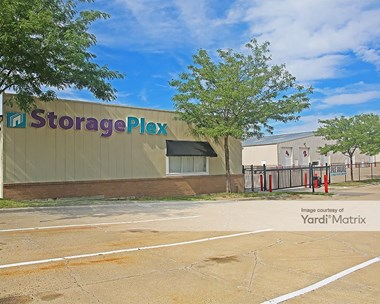 Storage Units for Rent available at 10161 Hickman Road, Urbandale, IA 50322 Photo Gallery 1