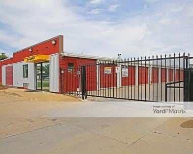 Storage Units for Rent available at 4043 East 14th Street, Des Moines, IA 50313