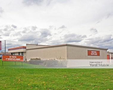 Storage Units for Rent available at 900 West Layton Avenue, Milwaukee, WI 53221 Photo Gallery 1