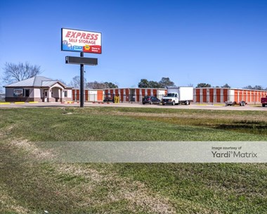 Storage Units for Rent available at 1597 Highway 35 Bypass South, Alvin, TX 77511 Photo Gallery 1