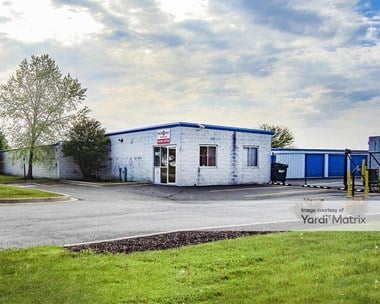 Storage Units for Rent available at 1960 Wiesbrook Road, Oswego, IL 60543 Photo Gallery 1