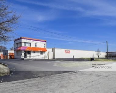 Storage Units for Rent available at 17 West 17 Roosevelt Road, Oakbrook Terrace, IL 60181