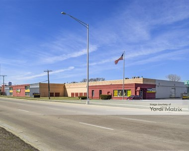 Storage Units for Rent available at 100 West North Avenue, Lombard, IL 60148 Photo Gallery 1