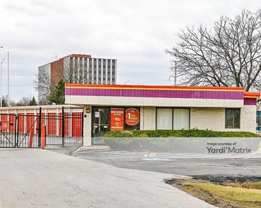Storage Units for Rent available at 2401 Lois Drive, Rolling Meadows, IL 60008 Photo Gallery 1