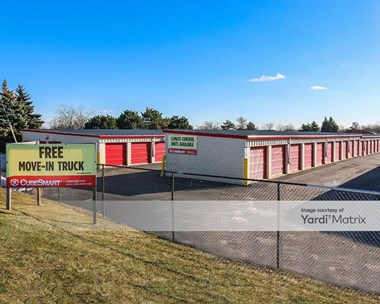Storage Units for Rent available at 3501 Washington Street, Gurnee, IL 60031 Photo Gallery 1