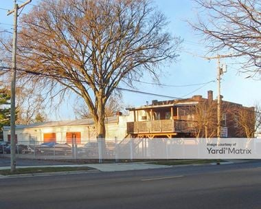 Storage Units for Rent available at 614 Prairie Street, Aurora, IL 60506 Photo Gallery 1