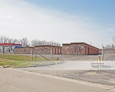 Storage Units for Rent available at 13789 Saint Charles Rock Road, Bridgeton, MO 63044 Photo Gallery 1