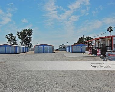 Storage Units for Rent available at 2842 North Golden State Blvd, Madera, CA 93637