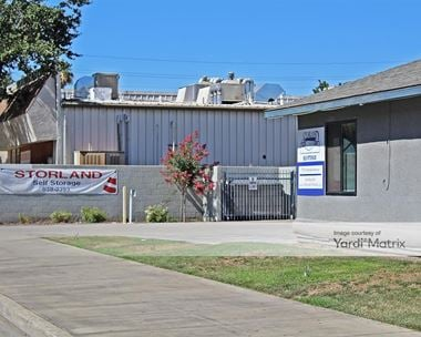 Storage Units for Rent available at 776 North Haney Avenue, Reedley, CA 93654