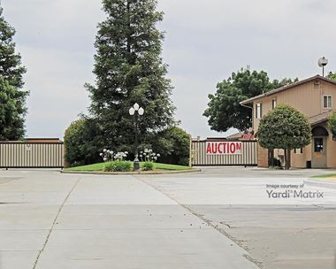 Storage Units for Rent available at 9712 North Willow Avenue, Clovis, CA 93619