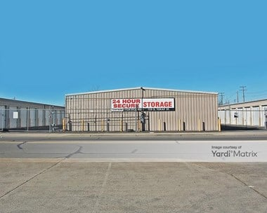 Storage Units for Rent available at 125 East Tokay Street, Lodi, CA 95240 Photo Gallery 1