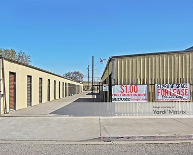 Storage Units for Rent available at 450 South 4th Avenue, Oakdale, CA 95361 Photo Gallery 1