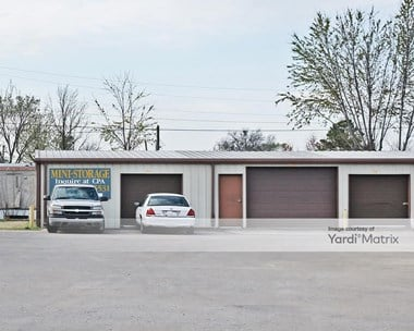 Storage Units for Rent available at 611 West Cherokee Street, Wagoner, OK 74467 Photo Gallery 1