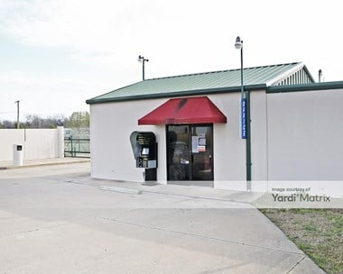 Storage Units for Rent available at 1525 South Madison Avenue, Wagoner, OK 74467 Photo Gallery 1