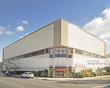 Storage Units for Rent available at 484 Sunrise Hwy, Rockville Centre, NY 11570