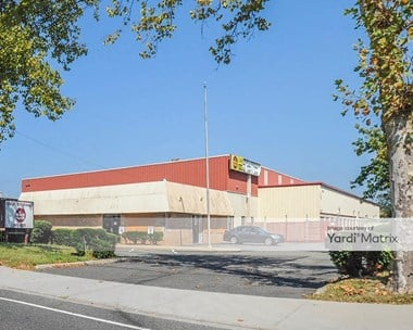 Storage Units for Rent available at 2091 New Hwy, Farmingdale, NY 11735 Photo Gallery 1
