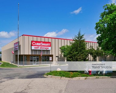Storage Units for Rent available at 1240 West 98th Street, Bloomington, MN 55431 Photo Gallery 1