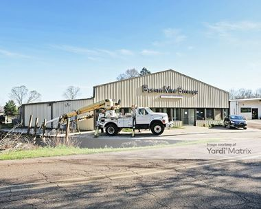 Storage Units for Rent available at 3247 Davis Road, Terry, MS 39170 Photo Gallery 1